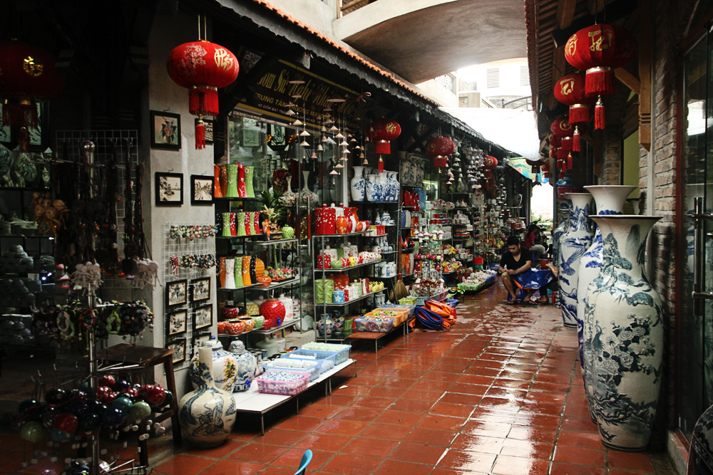 Chợ Gốm Bát Tràng