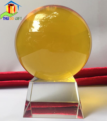 Quả cầu pha lê phong thủy màu vàng