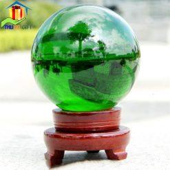Quả cầu pha lê màu xanh lá cây