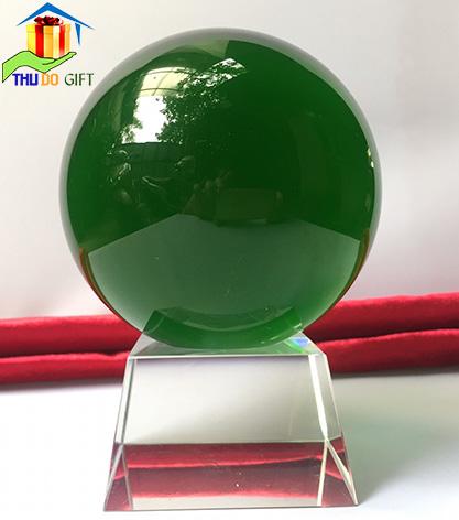 Quả cầu pha lê phong thủy màu xanh lá cây