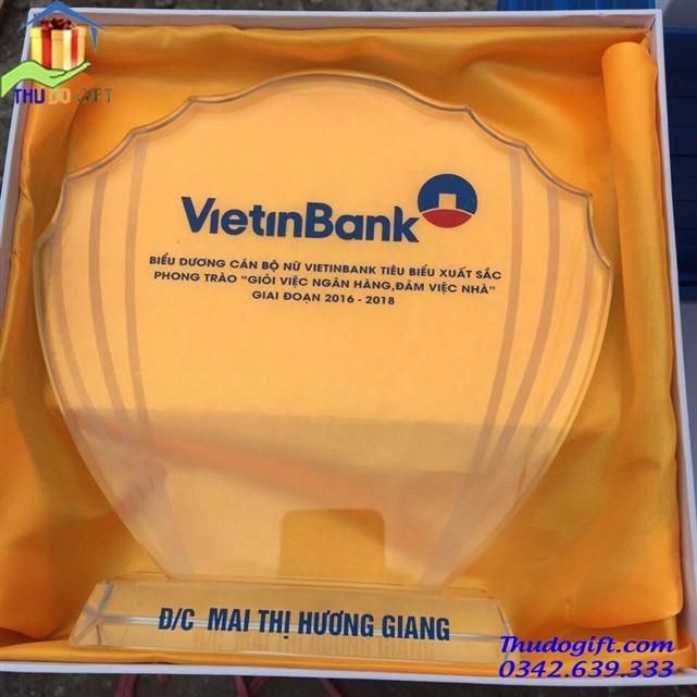 Biểu trưng pha lê cho ngân hàng
