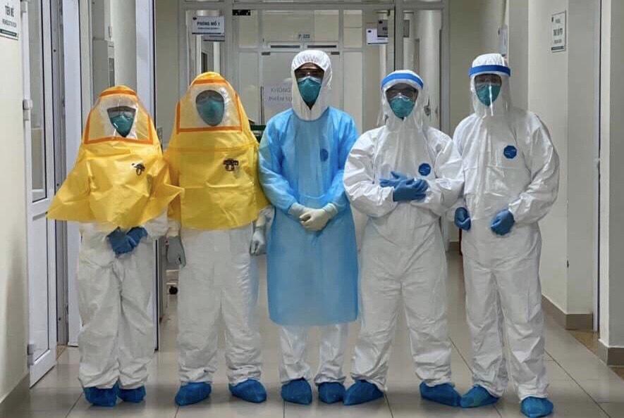 Kính chống dịch Coivd-19