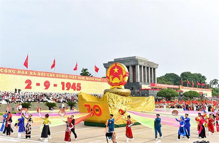 Hướng tới kỷ niêm 75 năm quốc khánh Việt Nam