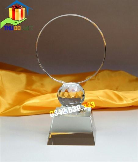 Biểu trưng pha lê hình tròn - Cup pha lê mặt nguyệt dáng thấp