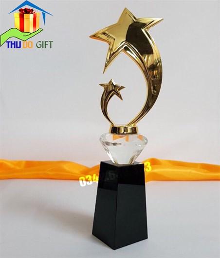 Cúp pha lê hình ngôi sao - biểu trưng pha lê hình 2 ngôi sao thân cong bằng kim loại