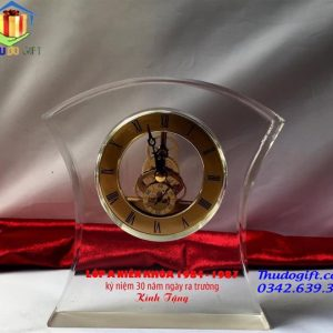 Biểu trưng pha lê đồng hồ để bàn