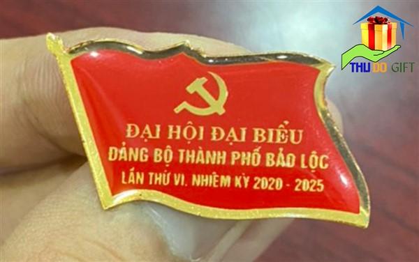 Phù hiệu lá cờ in ăn mòn sản xuất tại Việt Nam